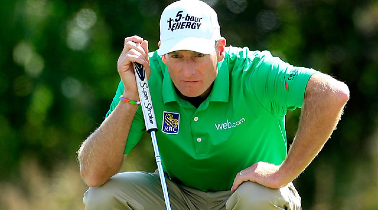 Jim Furyk bogeyed the final hole, but will take a one-shot lead into Sunday at the BMW Championship.