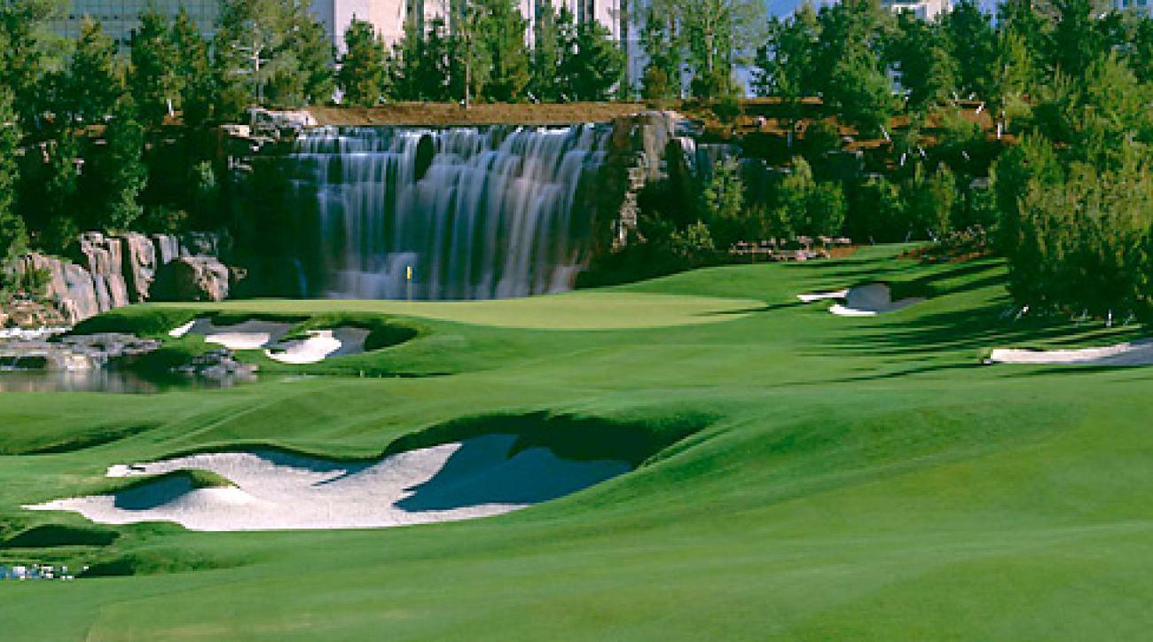 The 18th hole at Wynn Golf Club.