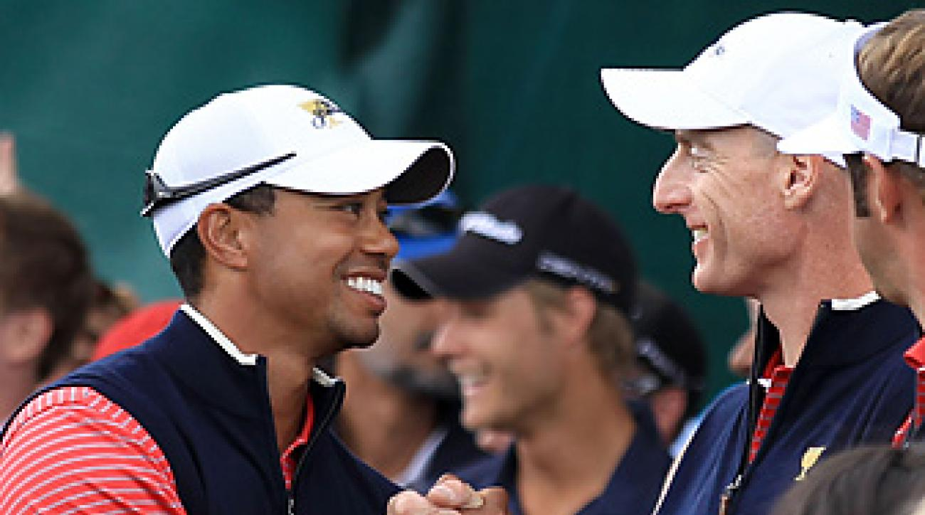 Woods looked like his old self in singles play, while Furyk became the fourth player in the event's history to go 5-0.