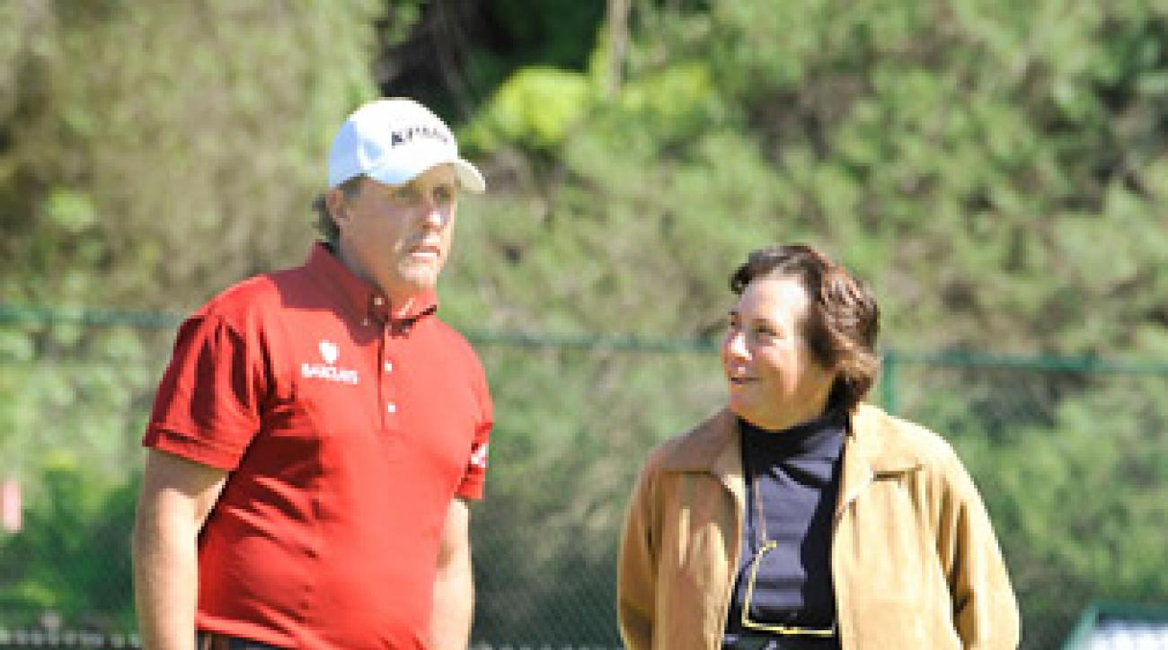 Amy Alcott (with Phil Mickelson at the 2009 Northern Trust Open) is part of Gil Hanse's Olympic design team.