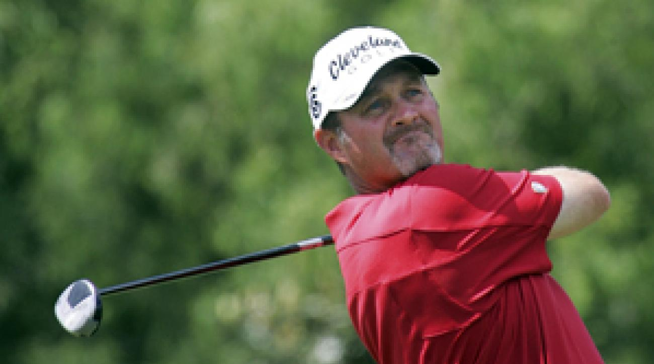 Jerry Kelly made seven birdies and one bogey on Friday.
