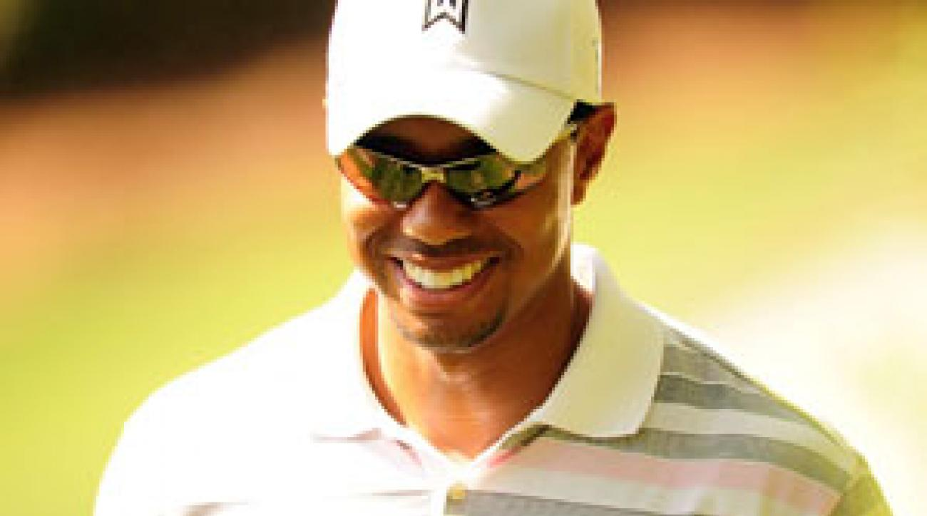 Tiger Woods played in front of a gallery Monday for the first time since the Australian Masters in November.