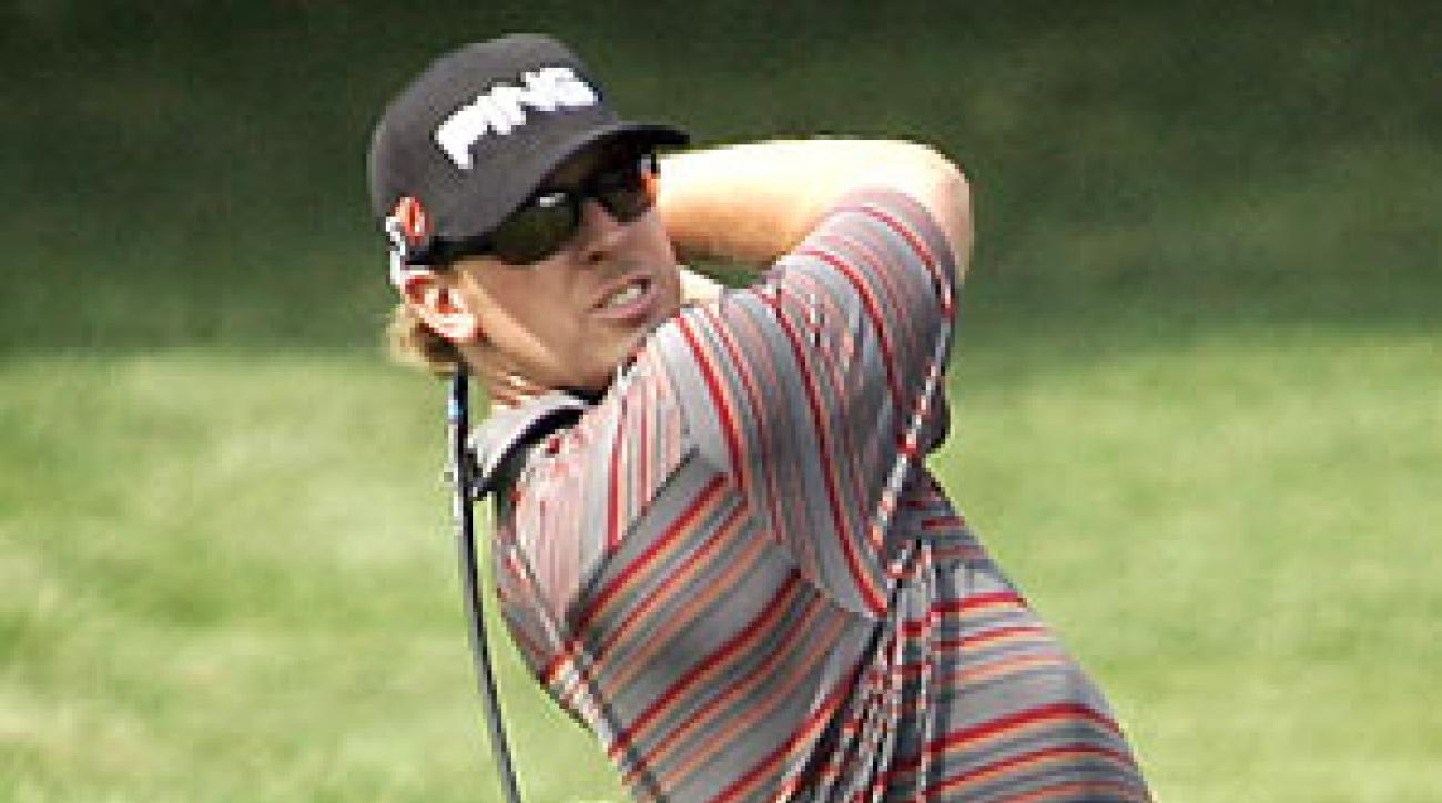 Hunter Mahan shot the lowest round at Westchester in 25 years.
