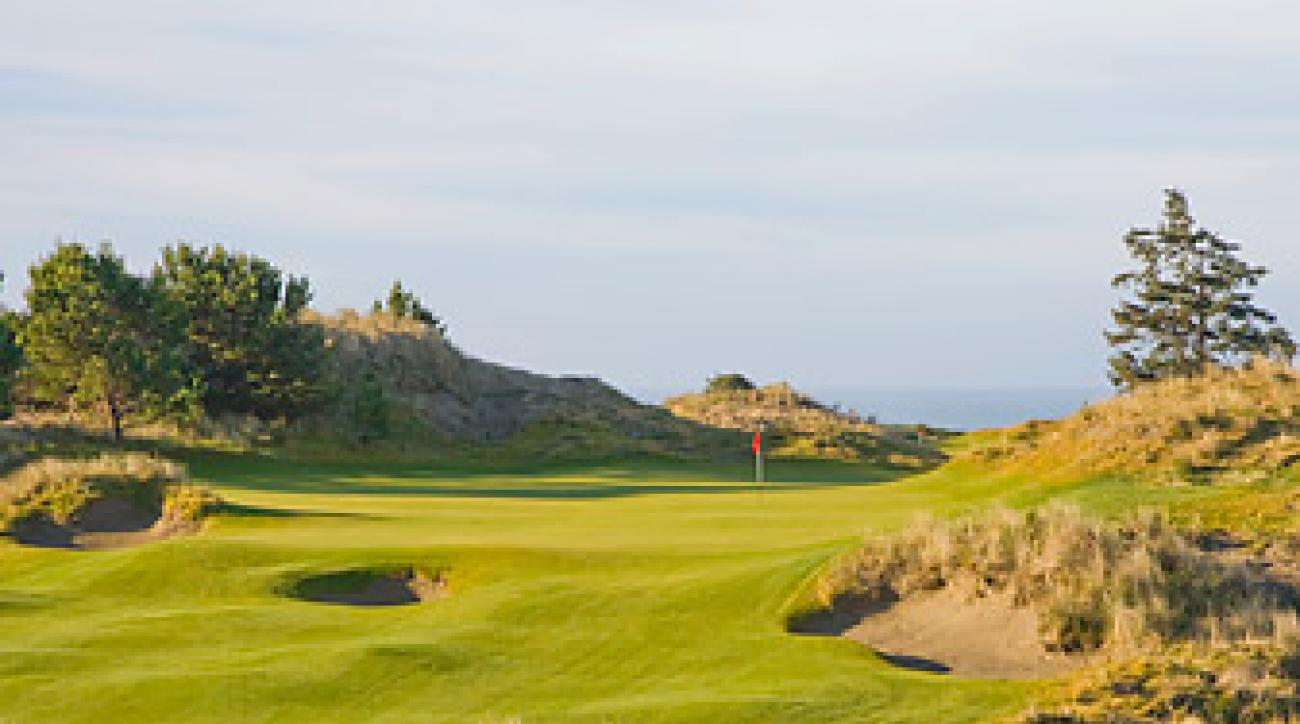 The first hole at Bandon Preserve, Bill Coore and Ben Crenshaw's new par-3 course at Bandon Dunes.