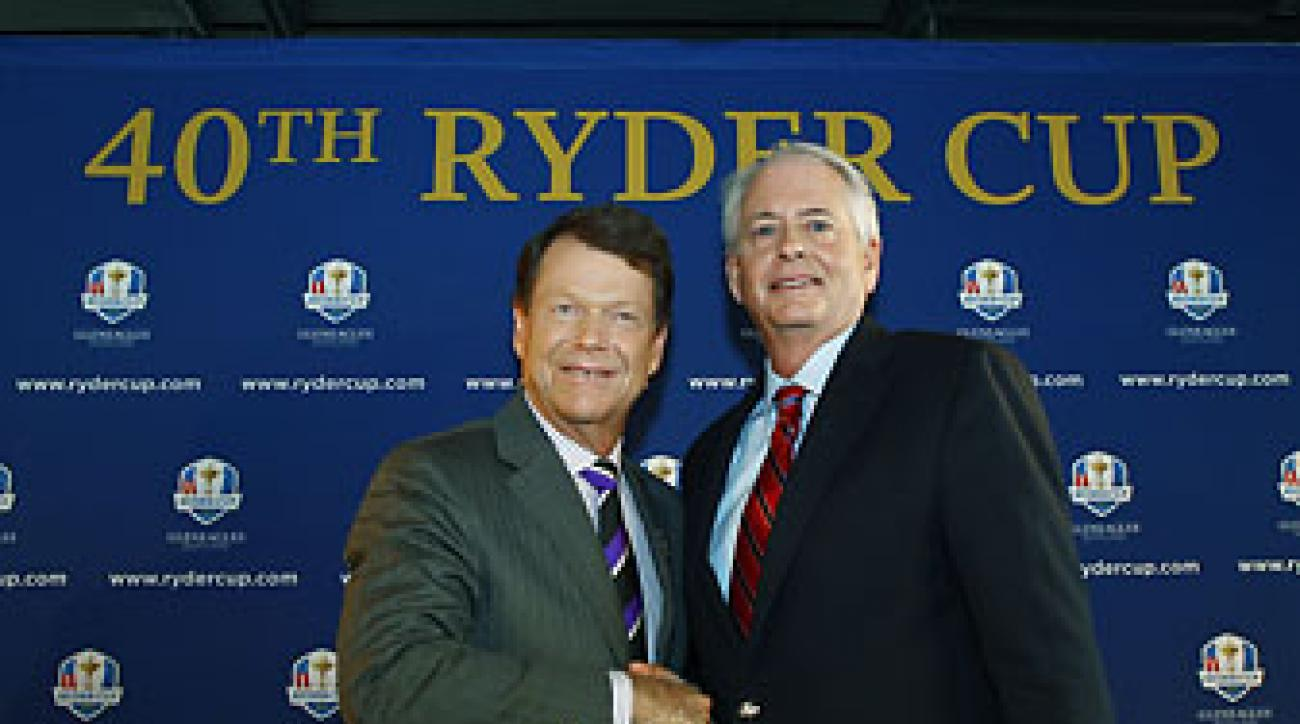 Tom Watson and PGA of America president Ted Bishop during the 2014 U.S. Ryder Cup captain's announcement held at the Empire State Building on Dec. 13, 2012.