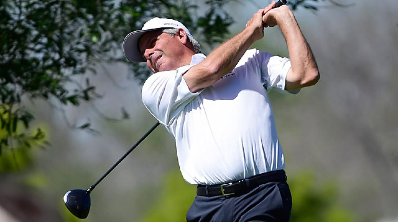 Fred Couples shot a 71 to fall one behind the leaders.