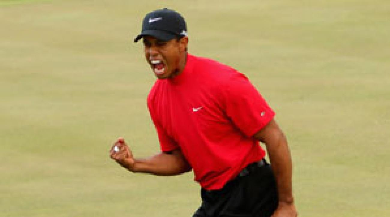 Woods birdied five of his last seven holes for a 7-under 65.