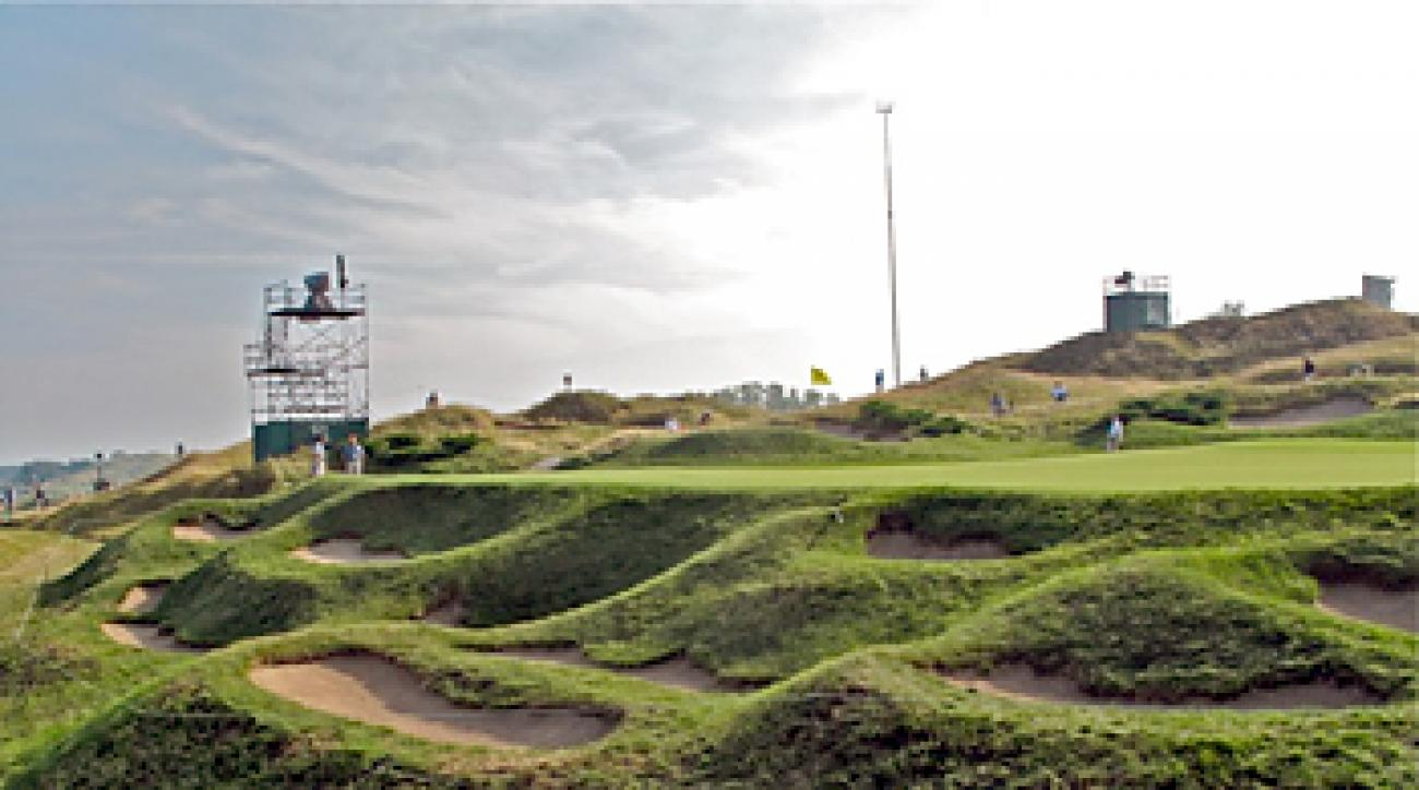 Greenside bunkers at the par-5, 592-yard second hole.