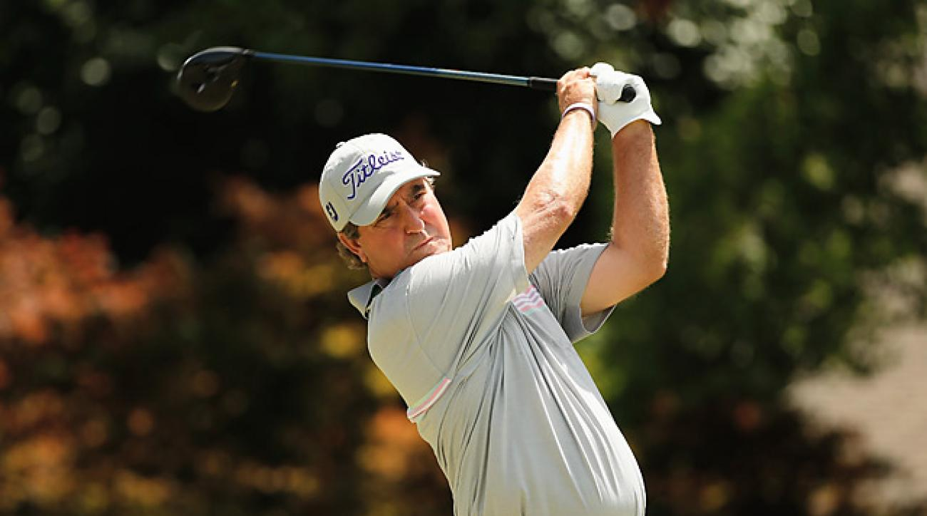 Gene Sauers' strong third-round 68 earned him the lead.