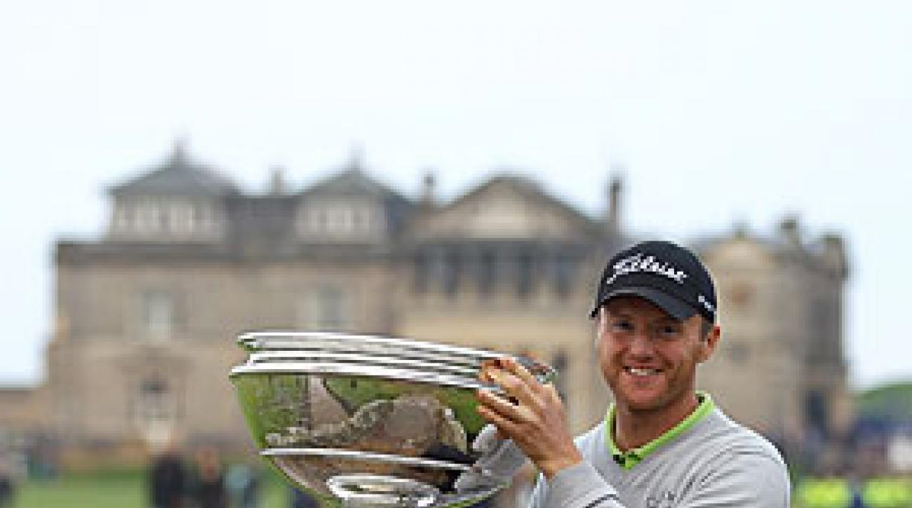 Michael Hoey shot a final-round 68 to beat Rory McIlroy by two.