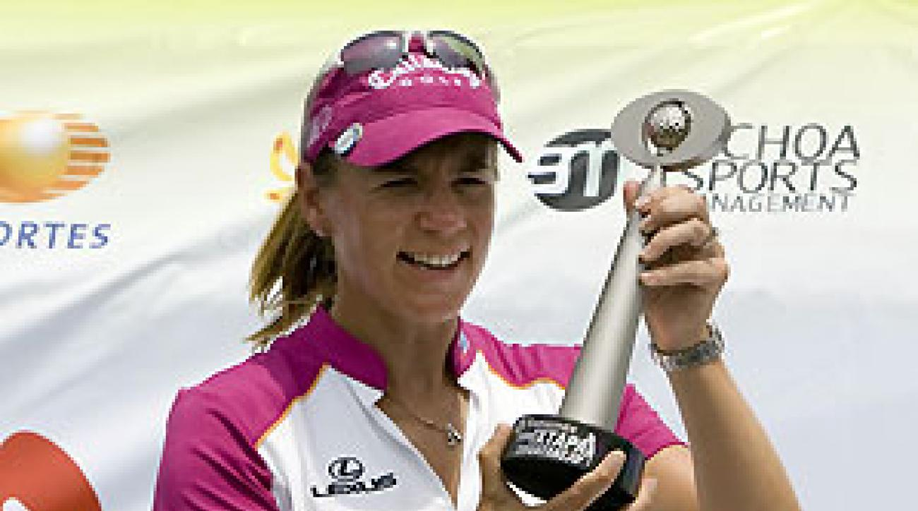 Annika Sorenstam beat Lorena Ochoa for the third straight year.