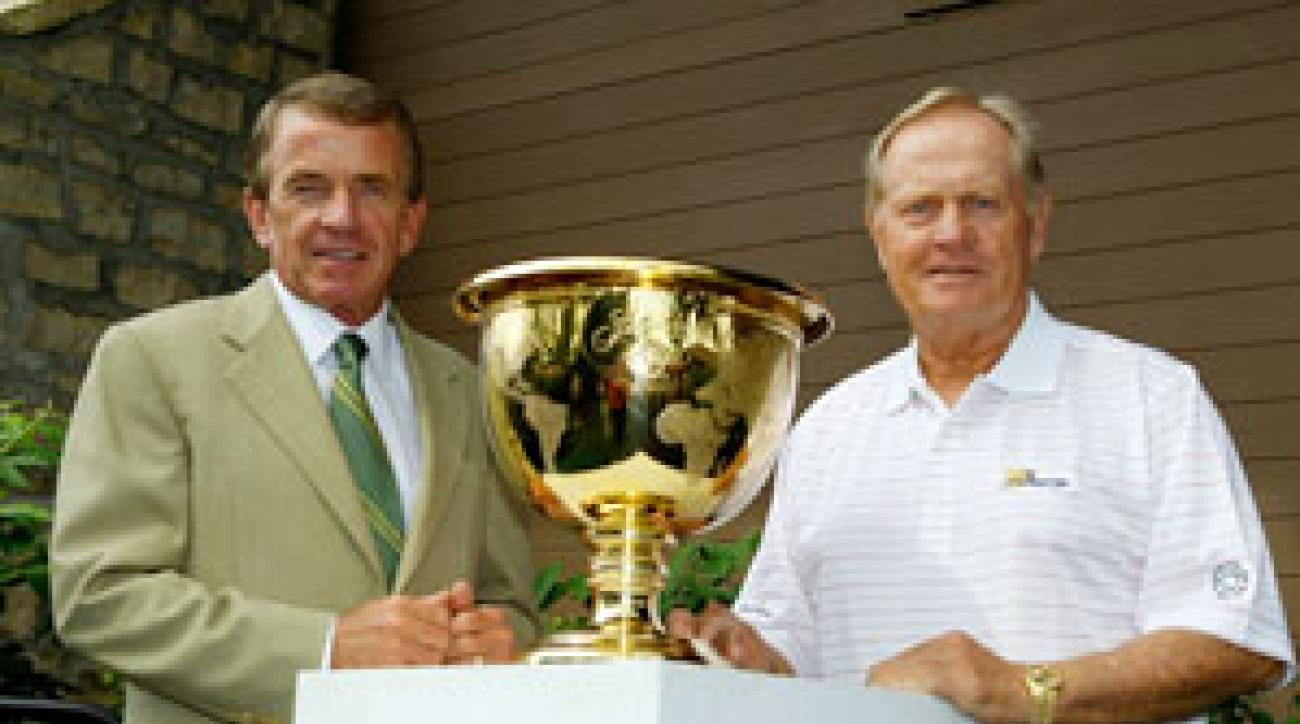 Jack Nicklaus, right, and PGA Tour commissioner Tim Finchem announced the Presidents Cup will come to Muirfield Village, site of this week's Memorial Tournament, in 2013.