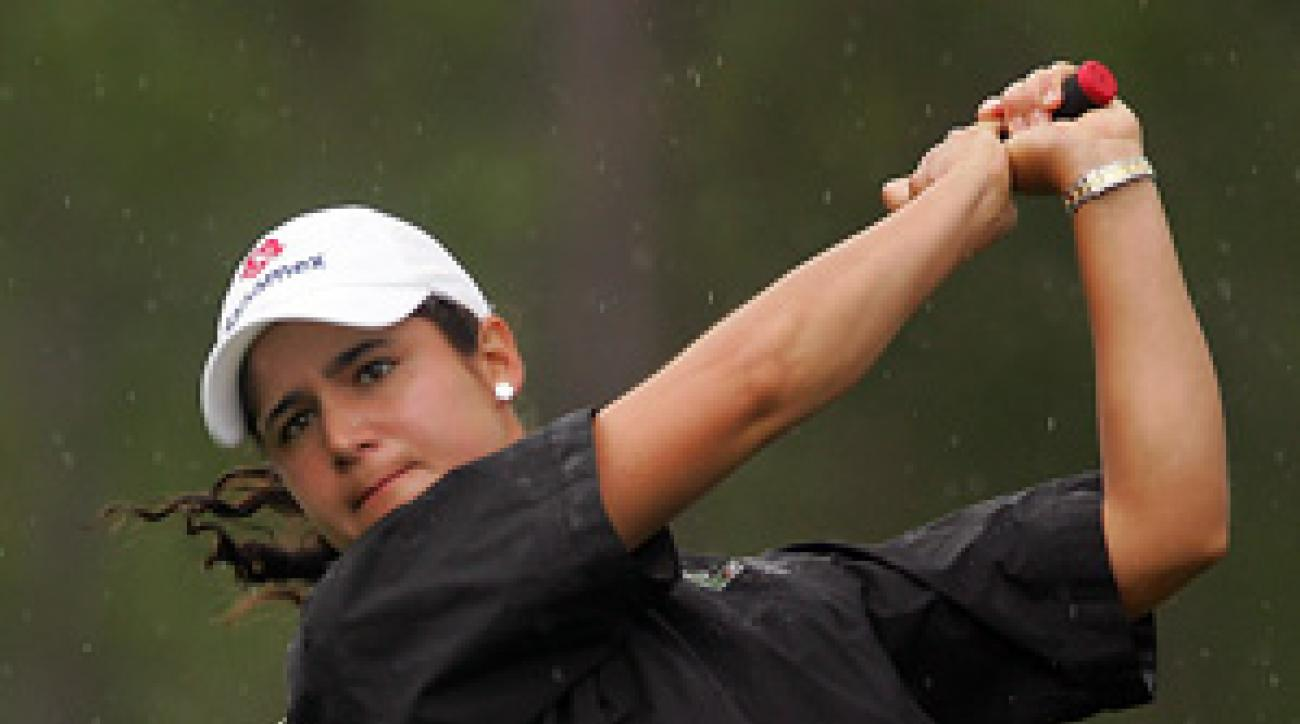 Lorena Ochoa bogeyed two of her last three holes, but still leads by three.