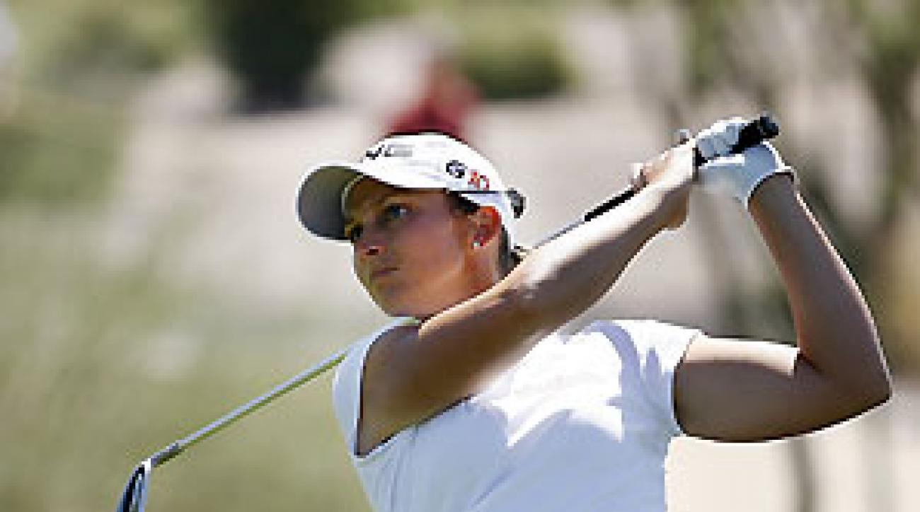Angela Stanford shot a tournament-record 62 on Thursday despite hitting only 6 of 14 fairways.