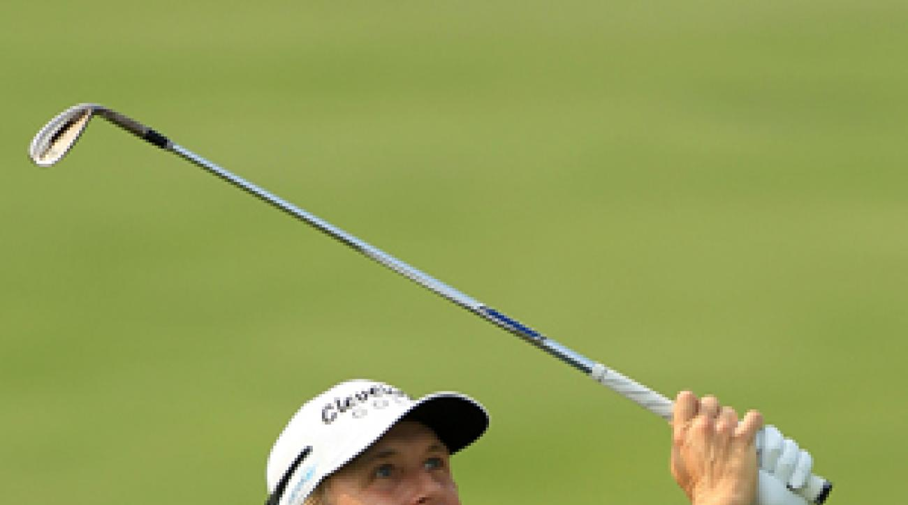 David Toms made six birdies and two bogeys on Friday.