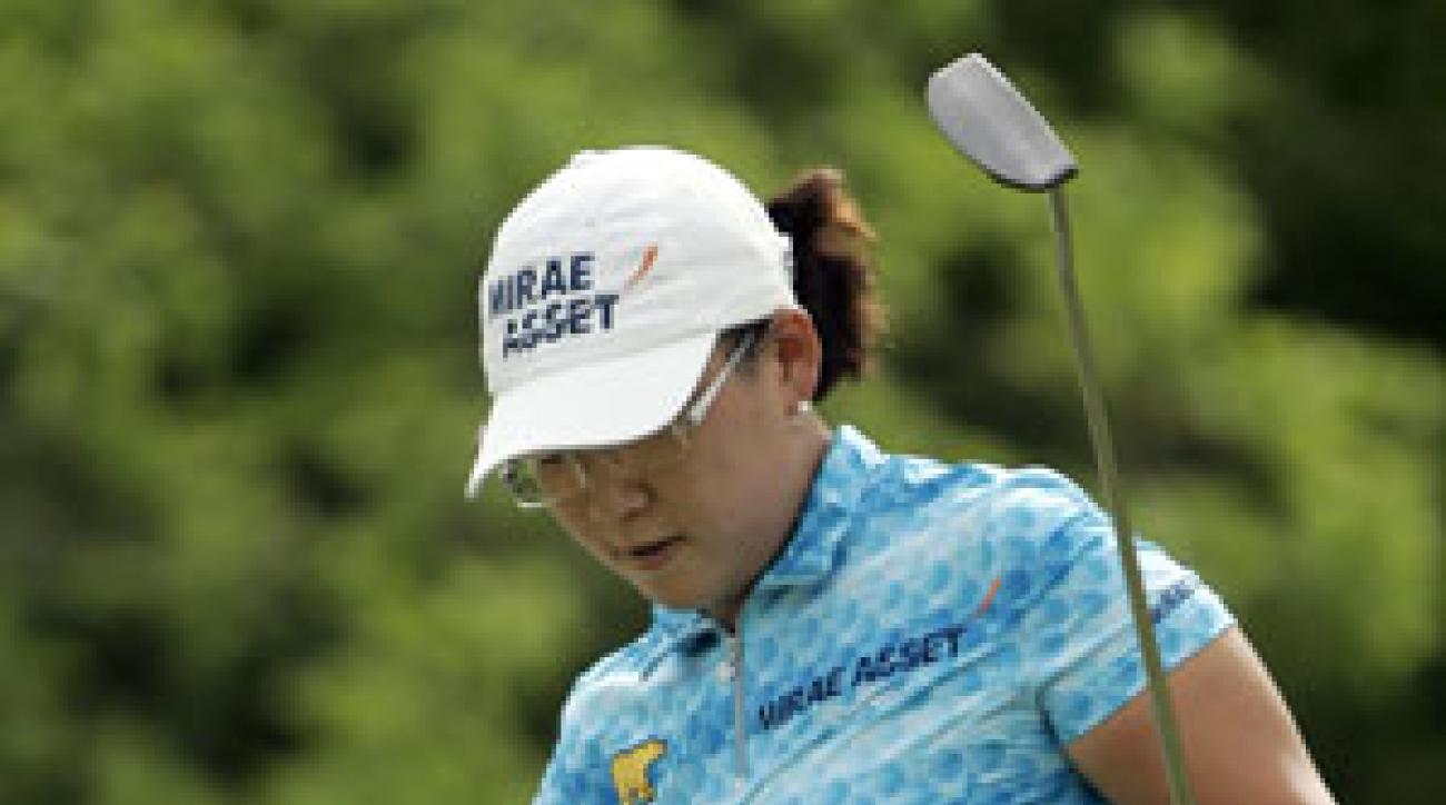Jiyai Shin faces Sun Young Yoo in the semifinals on Sunday morning.