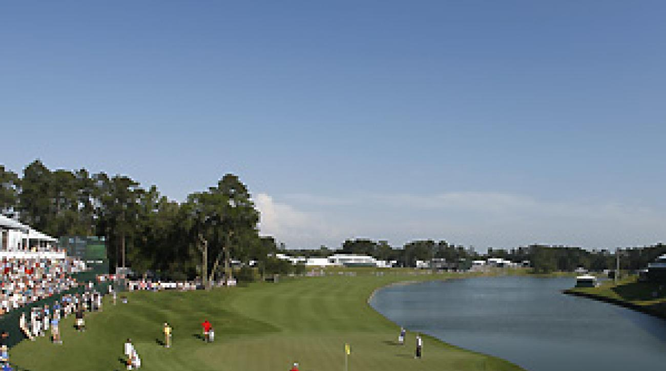 Dye added an extra bit of undulation to the green at 18, already one of the toughest holes on Tour.