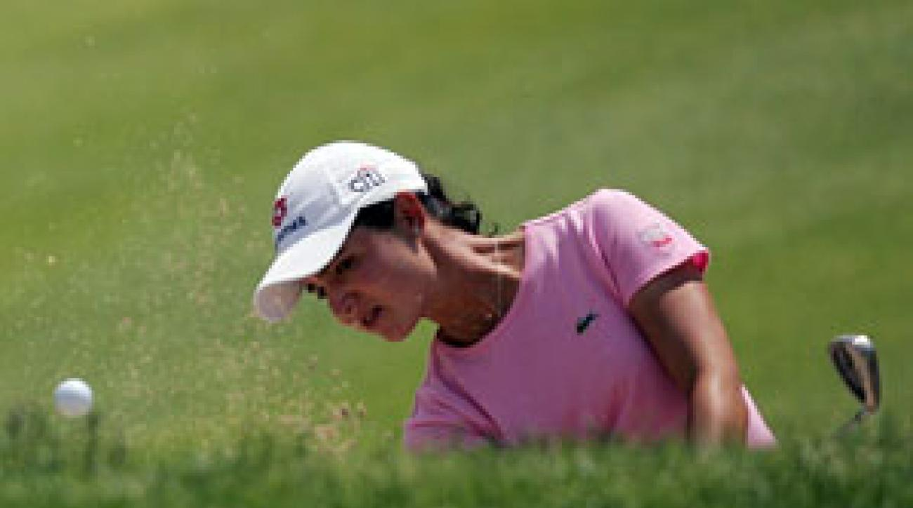<strong>LORENA OCHOA</strong> overtook Sarah Lee to win the Sybase Classic at Upper                 Montclair Country Club in Clifton, N.J. It was Ochoa's first successful title                 defense and her first win since rising to No. 1 in the Rolex Ranking.