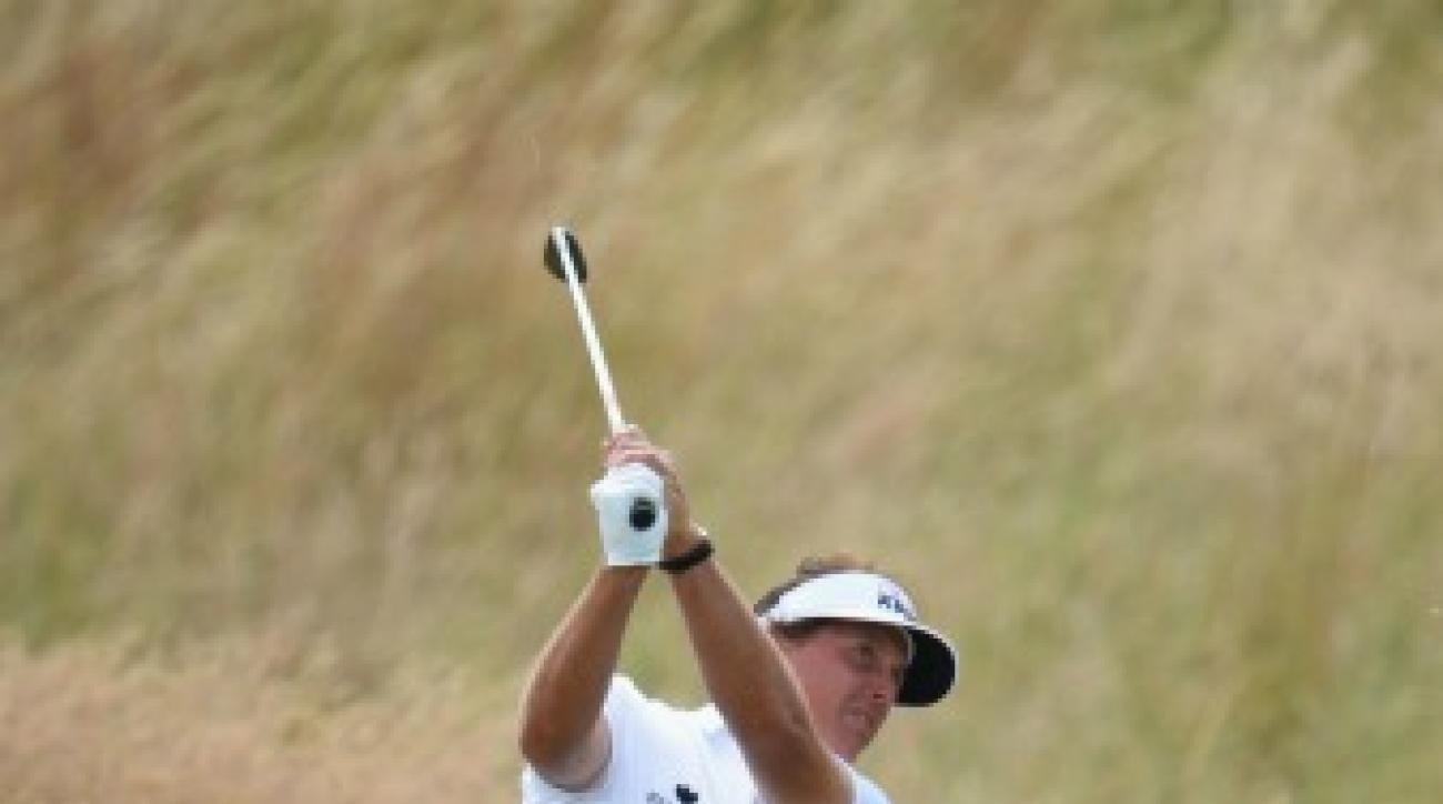 """Phil Mickelson uses the """"Pelz"""" swing technique to control the distance on his drives."""