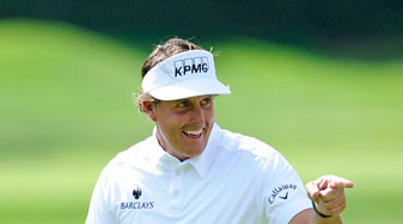 Mickelson shot a one-under 70 to maintain his lead at Riviera.