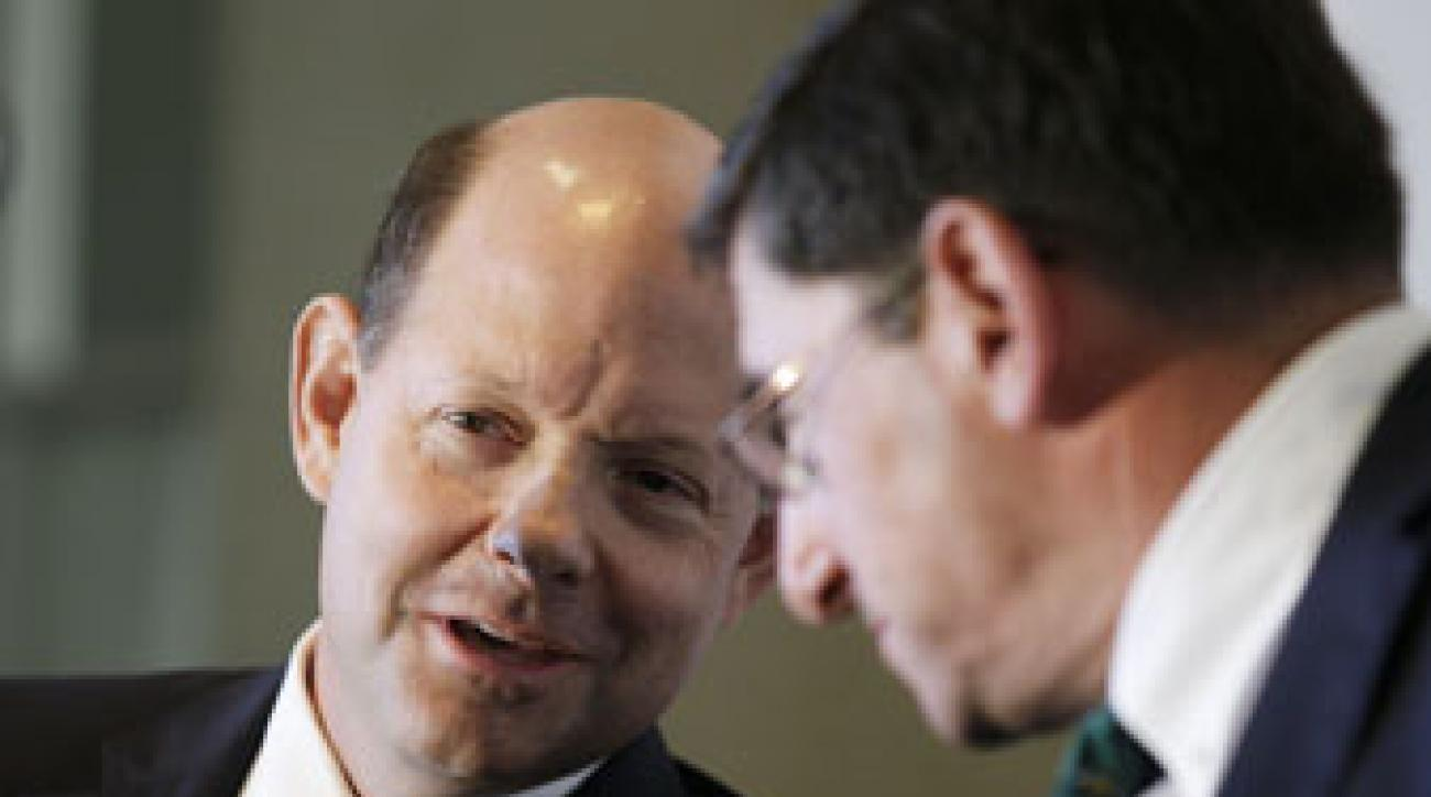USGA executive director Mike Davis [left] and USGA president Glen Nager announced the anchored putting ban on Tuesday.