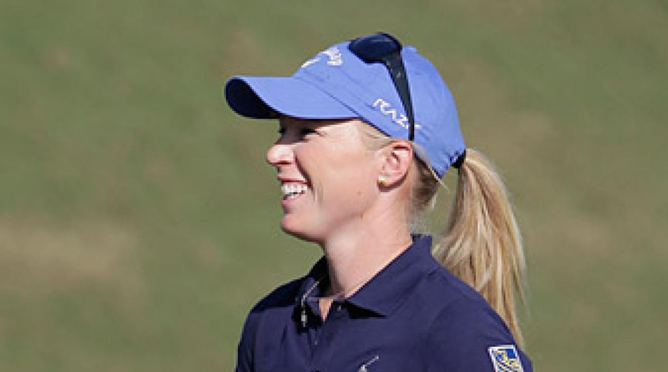 Morgan Pressel trails by one after a five-under 67.