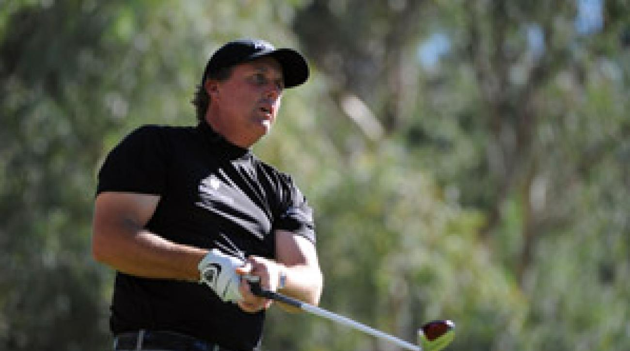 Phil Mickelson earned $25,000 on Saturday.