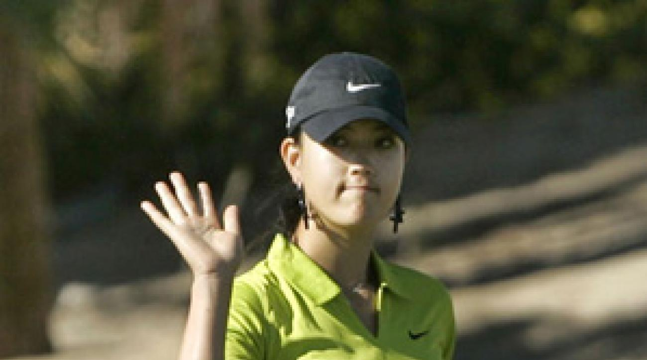 Michelle Wie shot a one-under 71 to finish one shot out of last place at the Samsung World Championship.