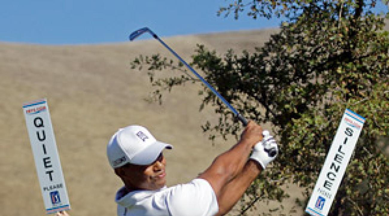 Tiger Woods shot a second-straight 68 on Saturday.