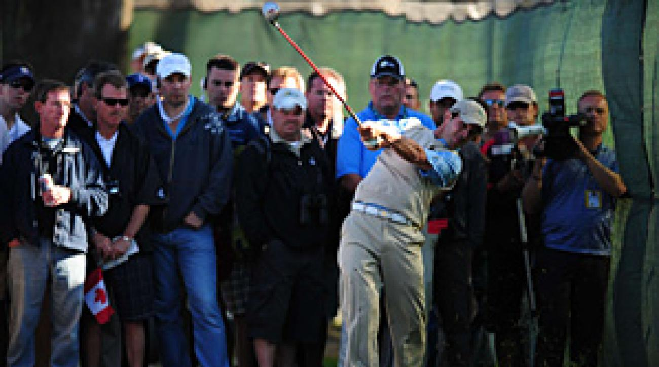 With a clutch shot on 18, Mike Weir secured a point for the International team.
