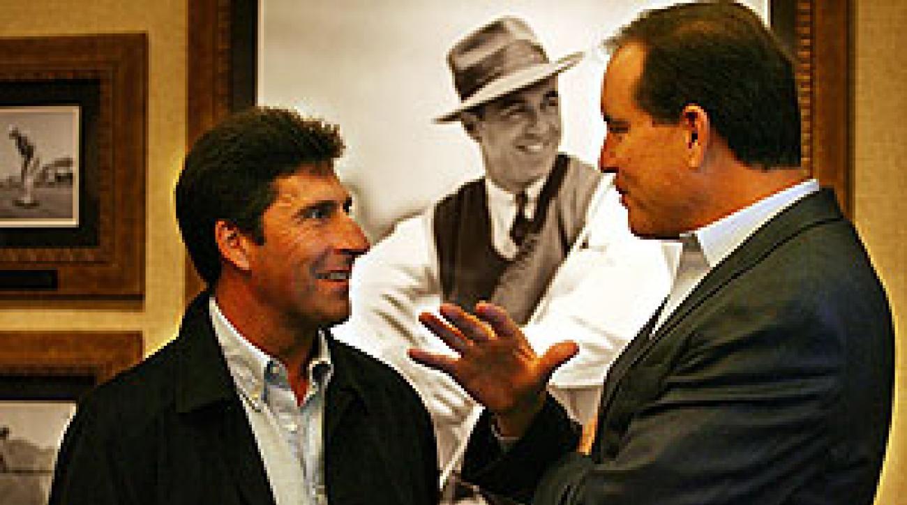 Olazabal, left, spoke with Jim Nantz before the ceremony Monday.