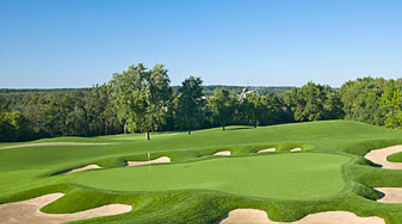 The 14th hole at Cog Hill.