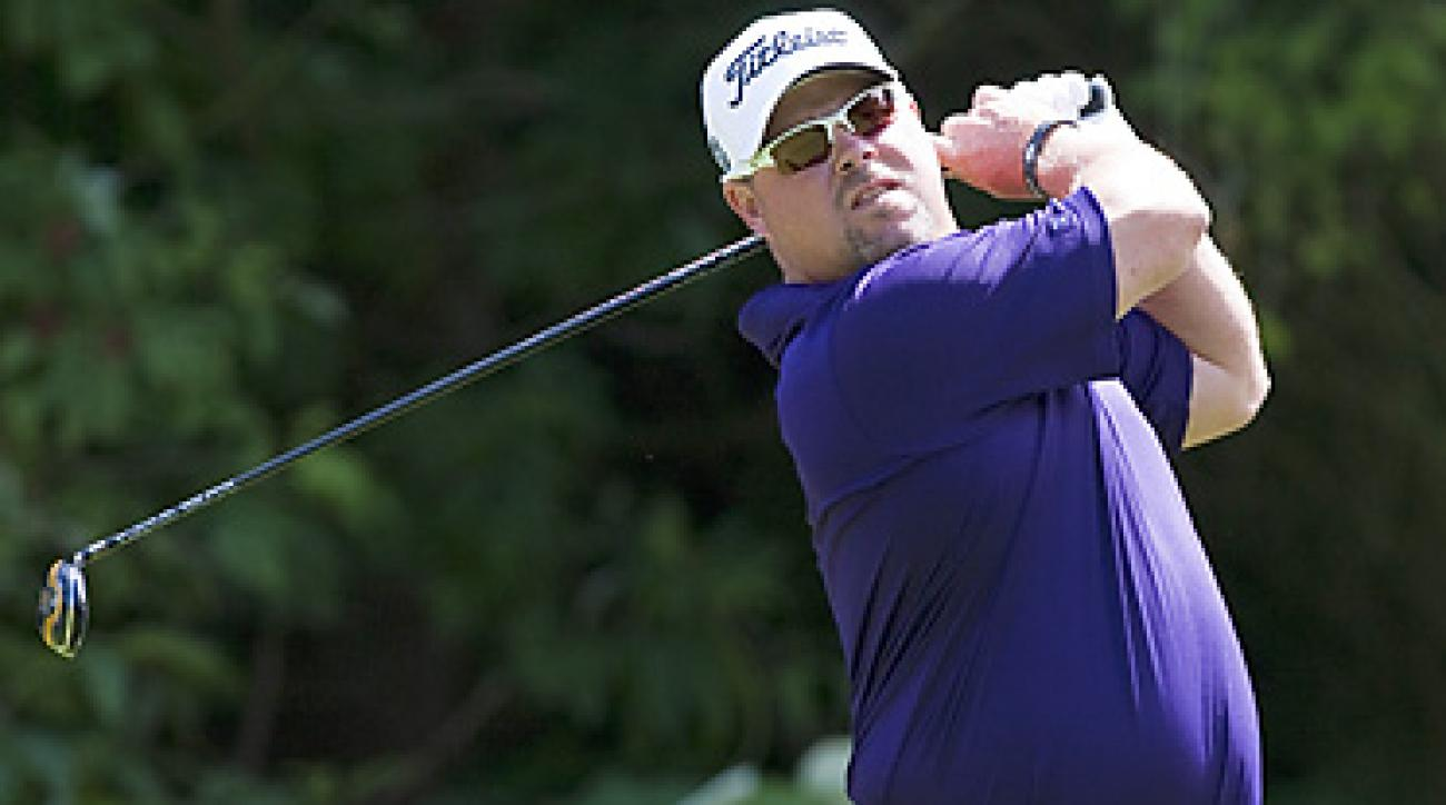 Kris Blanks shot a 67 to take a one-shot lead at the Canadian Open.