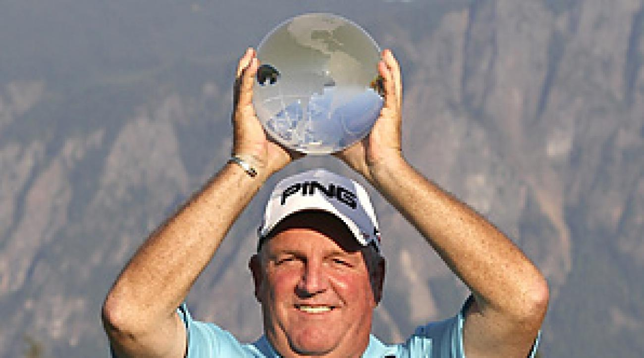 Mark Calcaveccia won his first Champions Tour event in 31 starts.