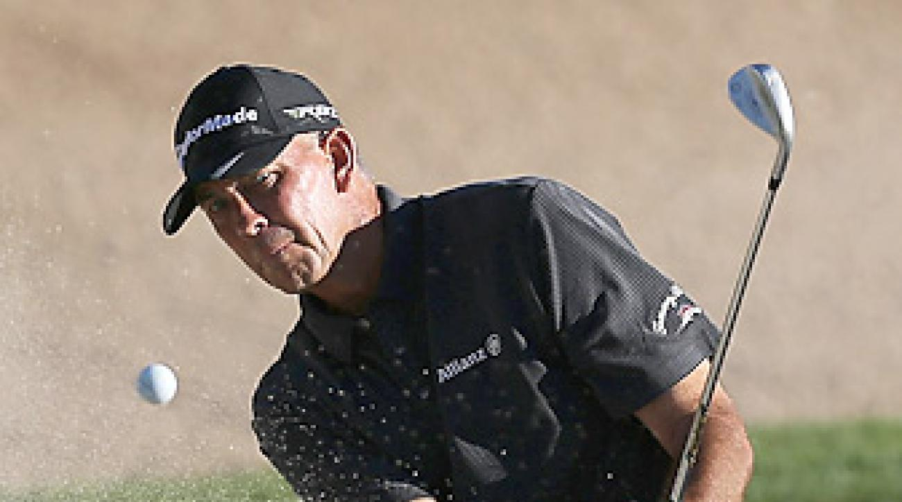 Tom Lehman leads Fred Couples by one shot after three rounds.