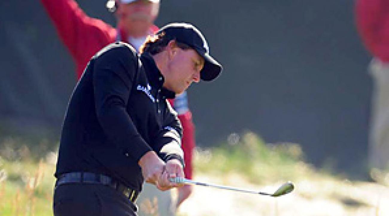 Phil Mickelson struggled in his opening round, but didn't blame the course for his 4-over 75.