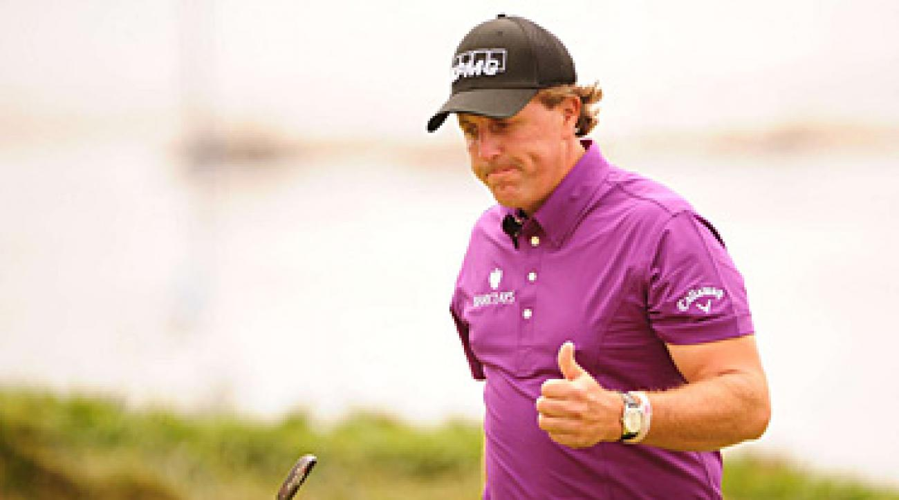 Phil Mickelson made five birdies on the front nine to shoot 31.