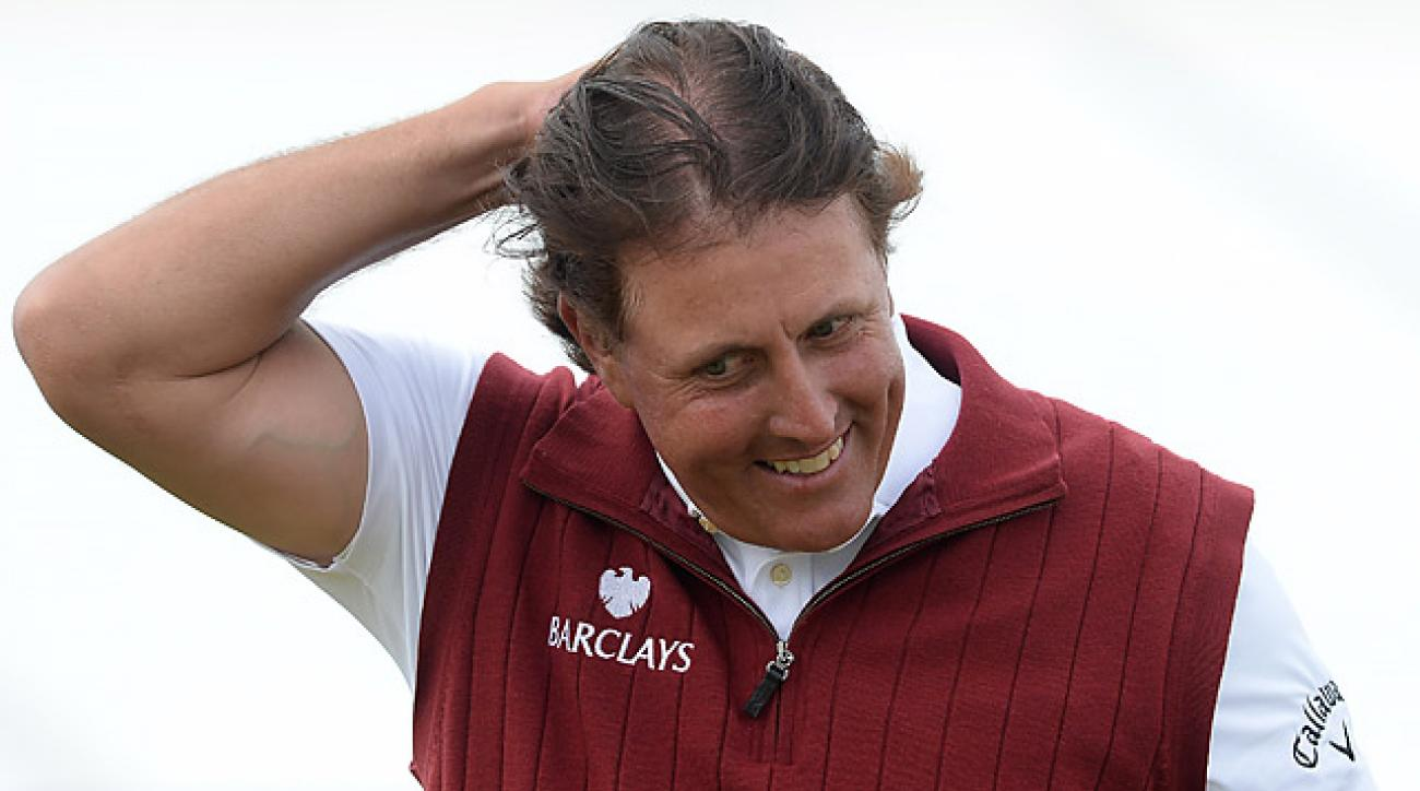 Phil Mickelson shot a one-under 70 on Saturday.