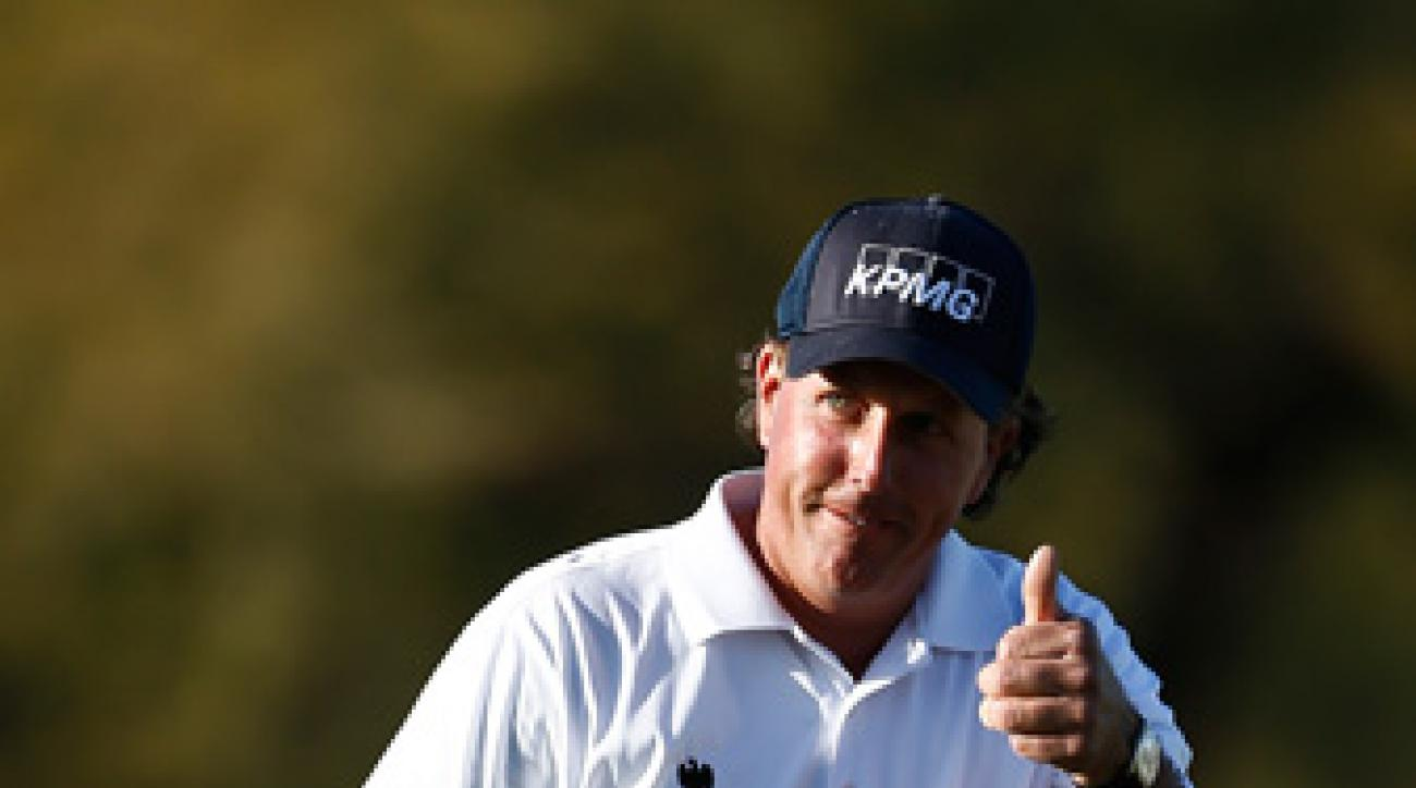 Phil Mickelson made an eagle, six birdies and a double bogey on Friday.