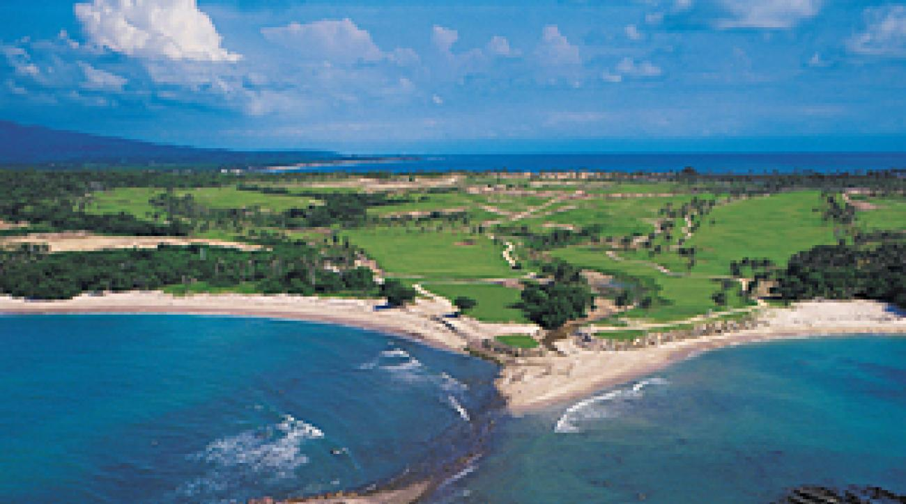"""""""The Tail of the Whale"""" hole at the Four Seasons Resort Punta Mita."""