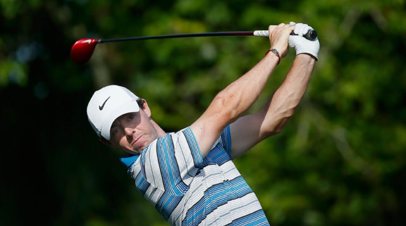 Tiger Woods (68) beat Rory McIlroy by a shot on Thursday at the Barclays.