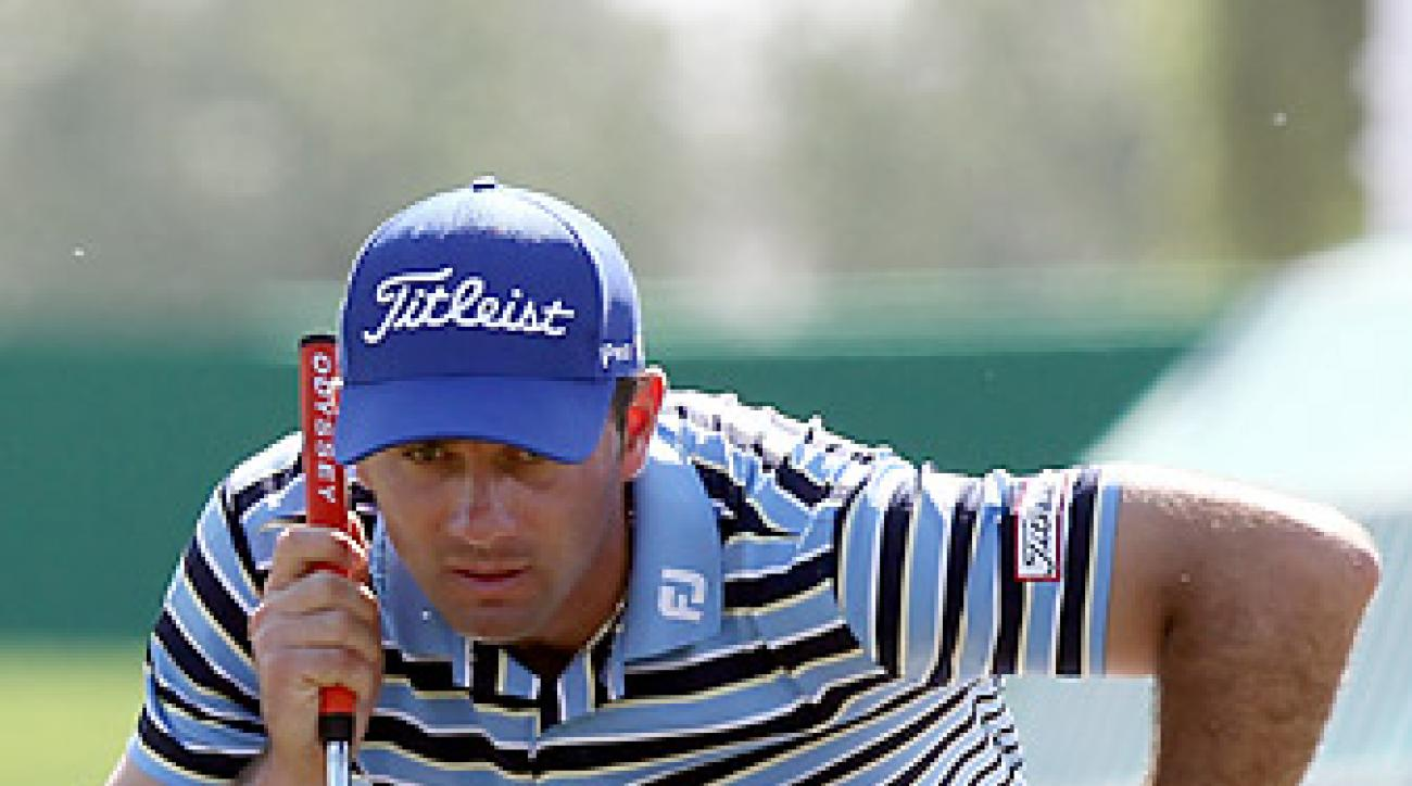 Santos fired a 65 in the first round to take the lead in Qatar.
