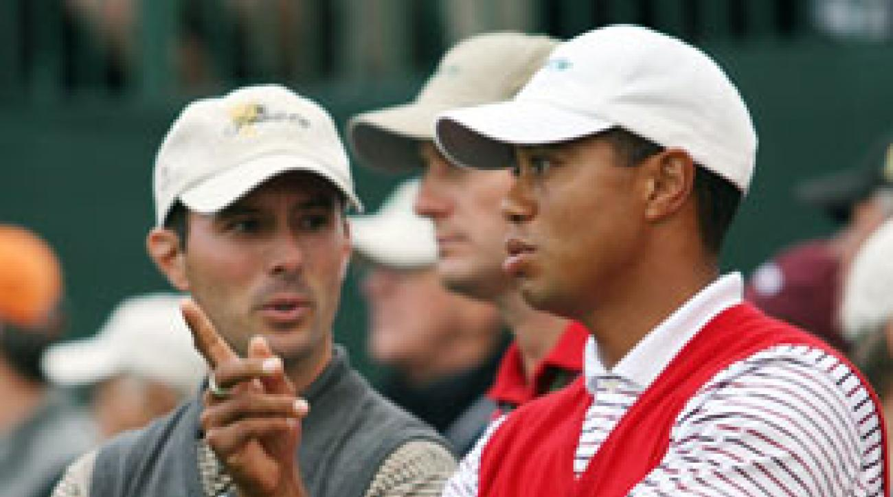Tiger Woods vs. Mike Weir will be the main event on Sunday.