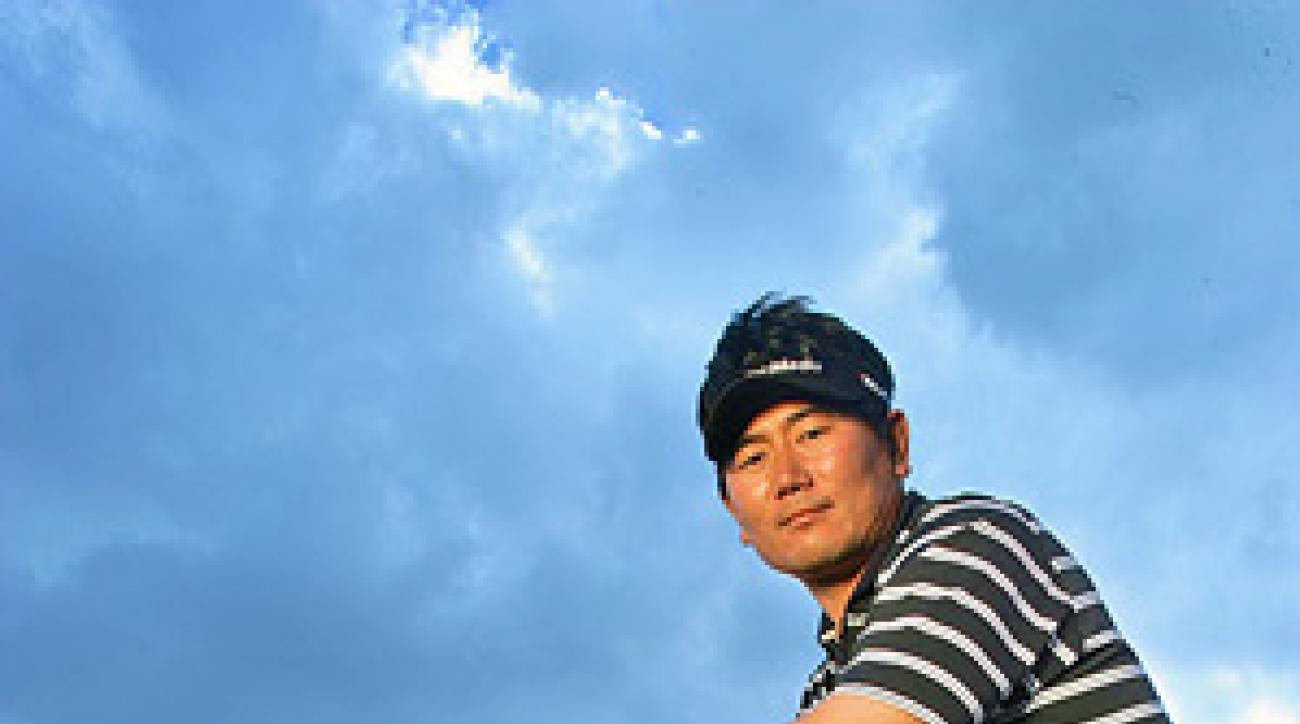 <strong>ONE MAN CLAPPING</strong><br />                 Yang matched Woods koan for koan on Sunday at the PGA.