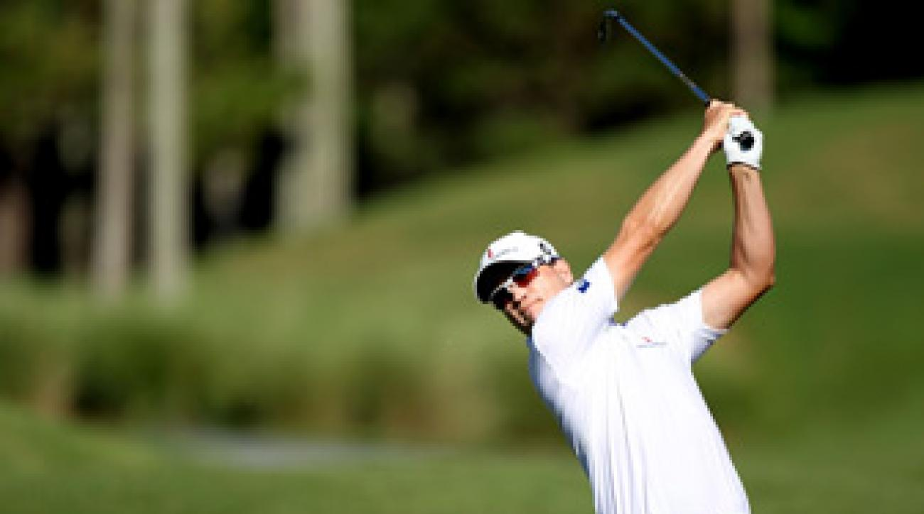 Zach Johnson made eight birdies and two bogeys.