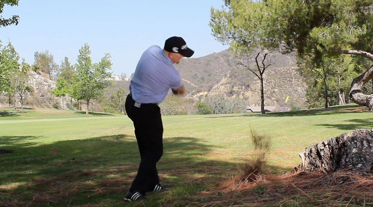 Links Golf Tip: Stand Taller to Swing Free on Long Putts