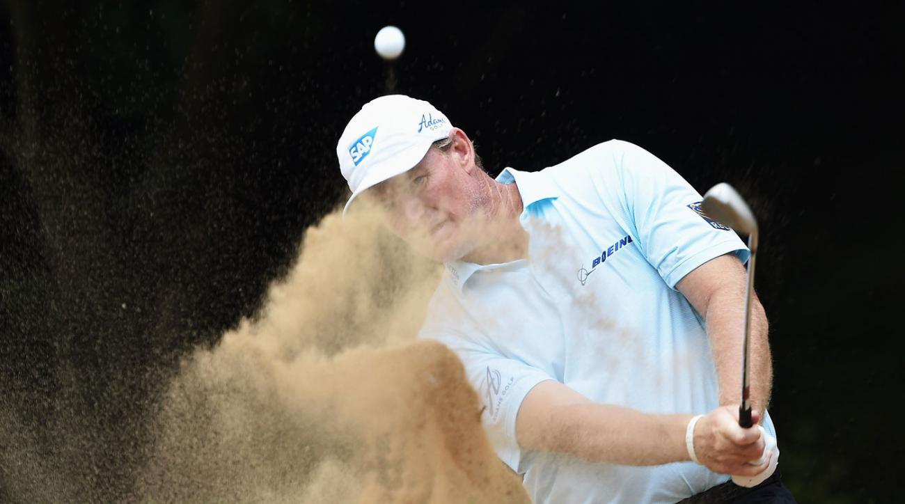 Ernie Els fell to 34th place after a second-round 77 in South Africa.