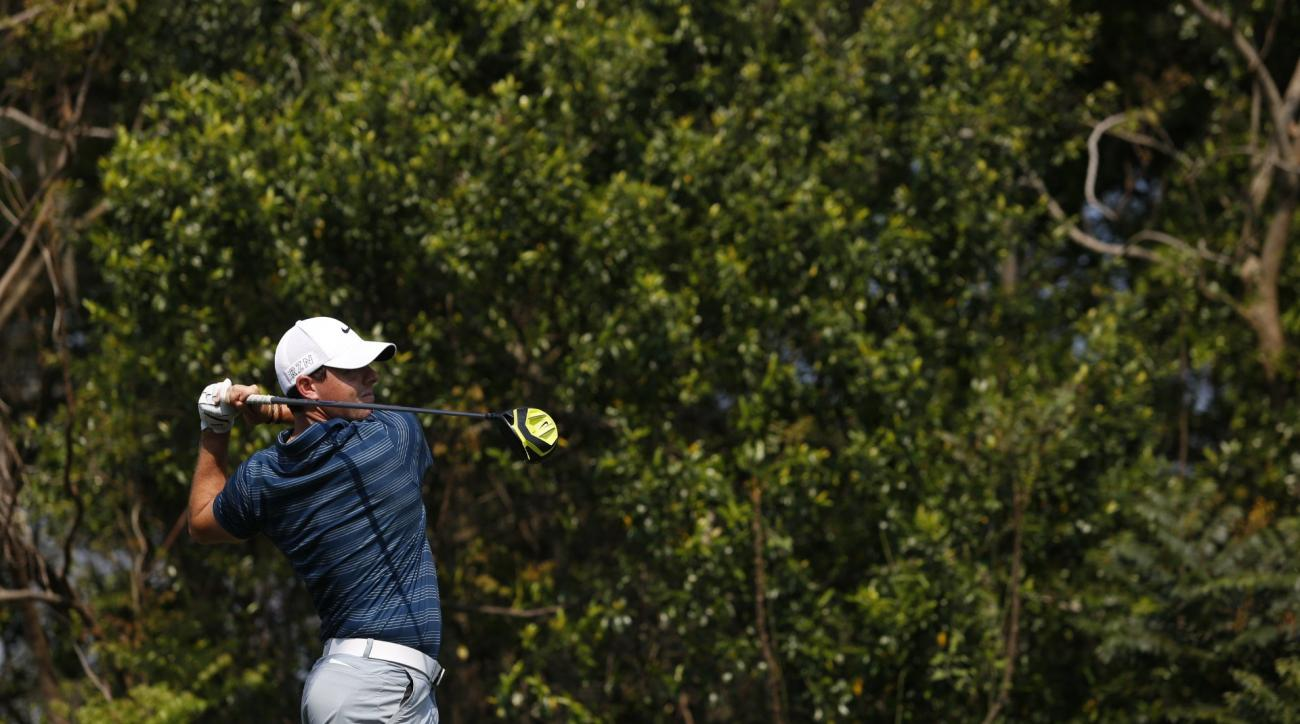 Rory McIlroy birdied five holes in a row en route to a 6-under 66 at Bay Hill on Friday.