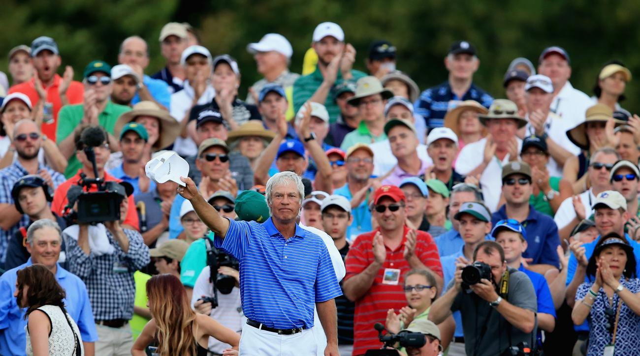 Ben Crenshaw bids farewell to the crowd at Augusta National following his final Masters round.