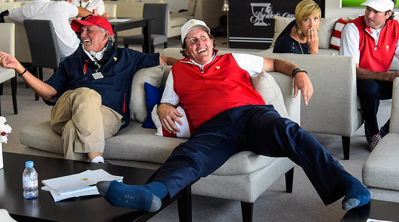 Phil Mickelson relaxes during some downtime at the 2015 Presidents Cup.